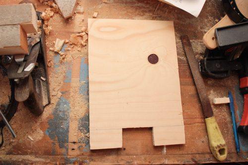 Plywood med hål i mitten